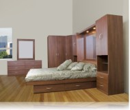 Studio Bedroom Queen Platform w/4 Drawer
