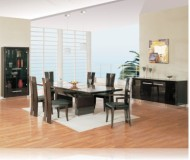 D99 7 Pc. Dining Room Set